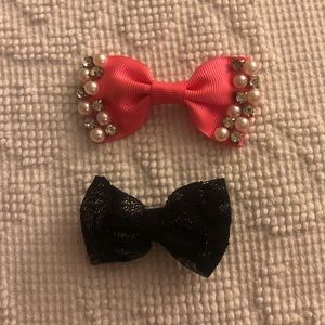 Accessories - 2 pack hair bows 💫